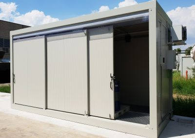 PREFAB STOCK WITH SLIDING DOORS