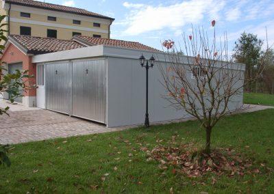 Double garage pour voitures et / ou rangement